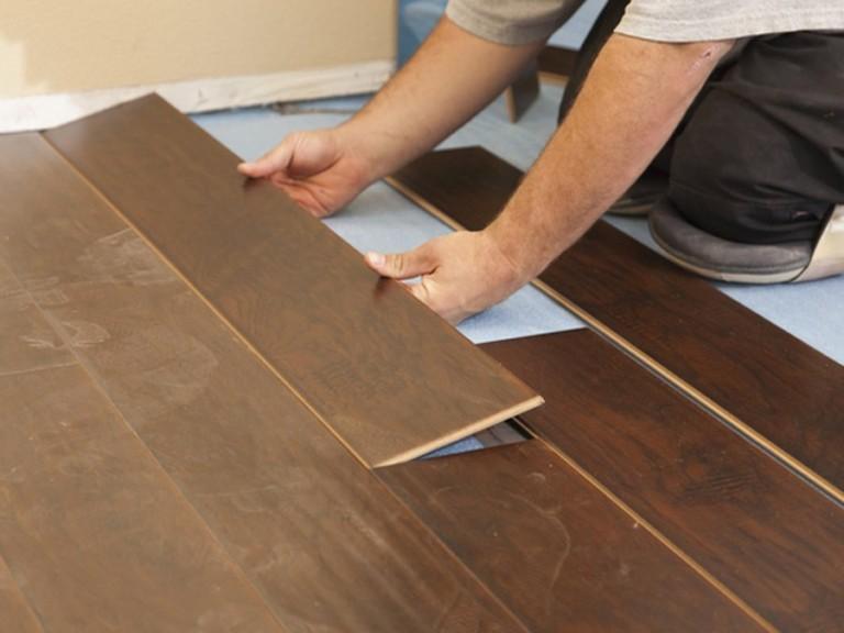 Tránh lắp đặt sàn gỗ vàocuối năm
